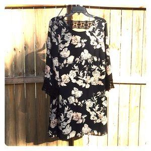 Dresses & Skirts - NWT Dress